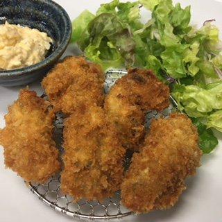 ☆味よし「こちらは、牡蠣(かき)フライ定食です!」:画像