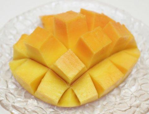 食べやすいマンゴーカットで召し上がれ♪:画像