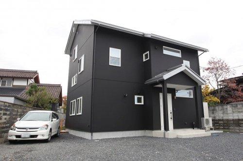 ・・漆喰&無垢フロアの家族にやさしい癒しのリビング・・+屋根遮熱 / 山形市S様邸:画像