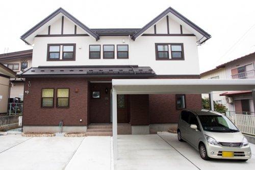 ブリティッシュスタイル二世帯住宅 / 山形市M様邸:画像