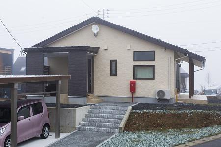 みはらしのよい平屋住宅〜屋根遮熱仕様〜 / 山形市みはらしの丘A様邸:画像