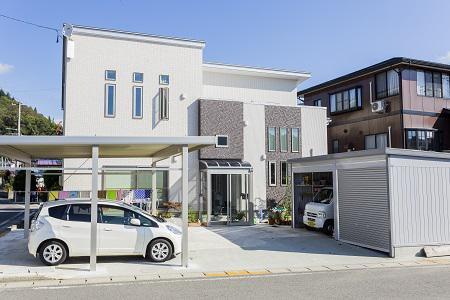 多世帯同居型 落雪しやすいCUBE Modeanデザインハウス:画像