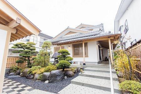 いぶし銀瓦が美しい純和風住宅:画像