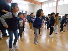 親子一緒に、ダンスを教えてもらいました!(はなぞの保育園の日..:画像