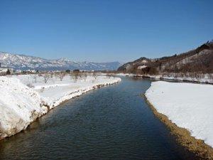 【最上川にも雪を運んでいます】:画像