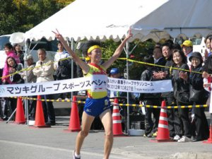 【秋晴れの長井で白熱の山形県高校駅伝!】:画像