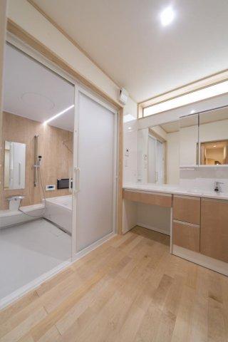 洗面所と浴室:画像
