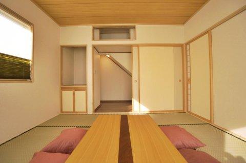 階段下を利用した納戸:画像