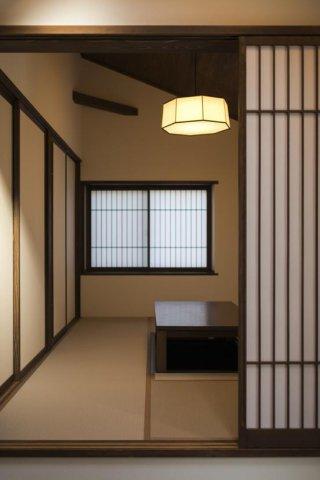 小上がりになっている和室:画像