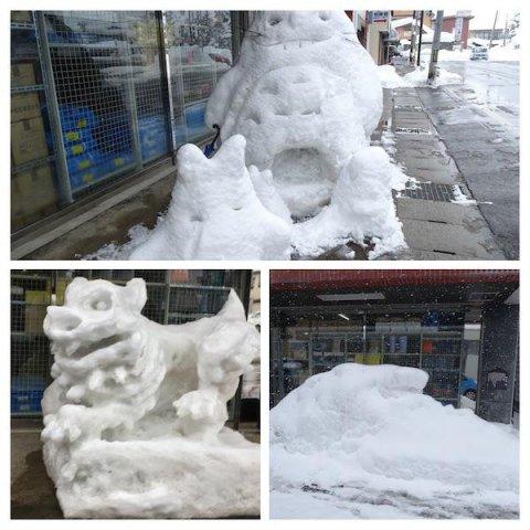 狛犬からトトロの雪像へ:画像