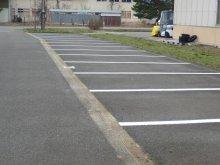 株式会社高橋設備様に駐車場区画線を塗装していただきました:画像