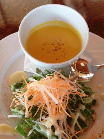 本日のスープとサラダ:画像