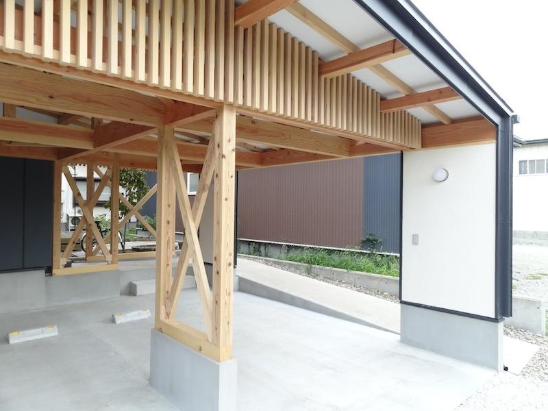 梁の見える家 photo 3