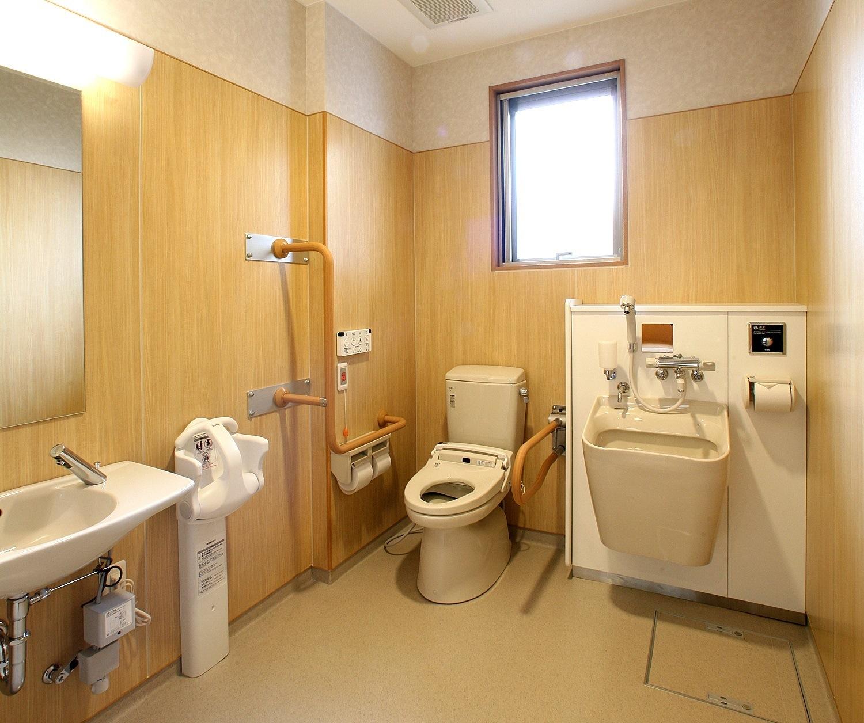 1F|多目的トイレ