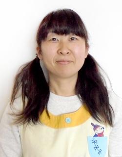 荒井 瑠美子