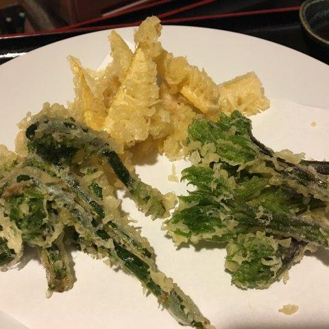 ★味よし「旬の山菜の天ぷらです!!」:画像