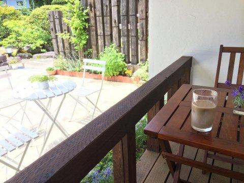 テラスでコーヒーサービスしております:画像
