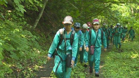 8月1日〜放送みんなの世界 「米沢市立万世小学校 万世大路の学習」:画像
