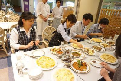 【レストラン『シャロア』のメニューが進化します】:画像