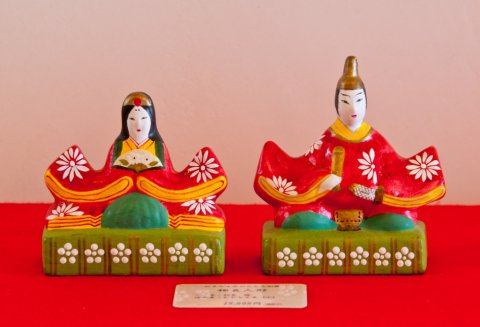 Why not come enjoy a bus tour of the Okitama region and witness traditional Japanese Hina dolls? :画像