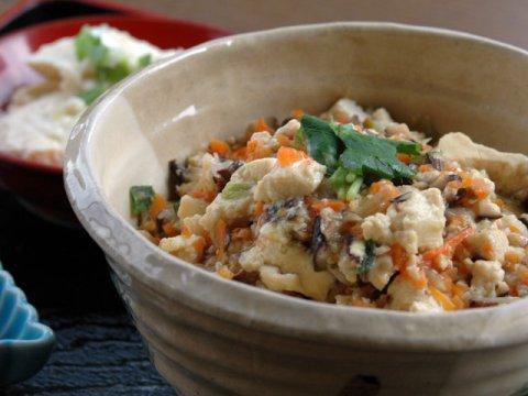 野菜もたっぷりでヘルシー「豆腐あんかけ丼」:画像