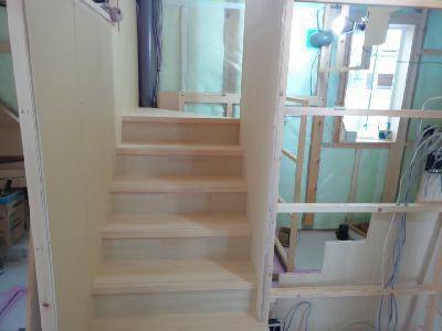 【郡山市西田・ドミノT邸 】 階段施工中、足場解体:画像