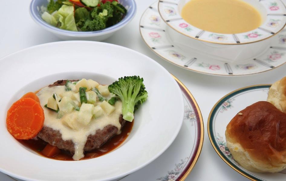 米沢牛チーズハンバーグのコース〈120g〉