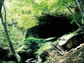 一の沢洞窟