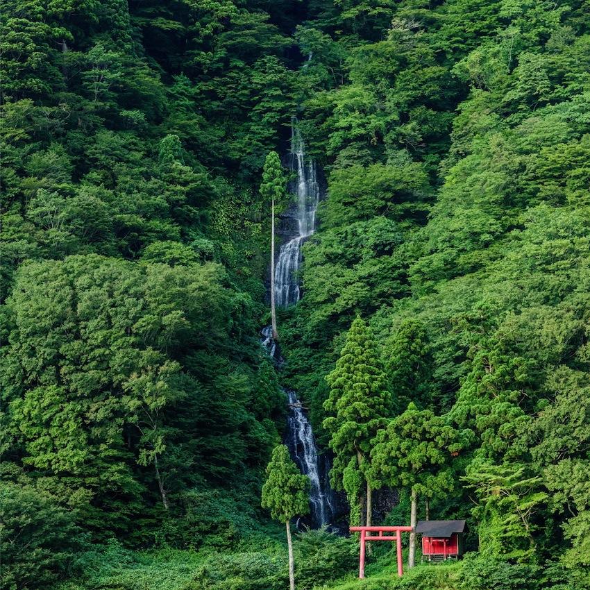 白糸の滝(戸沢村)