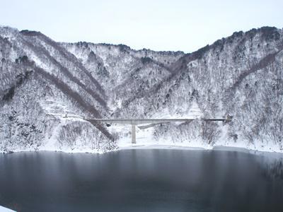 【冬の長井ダム】:画像